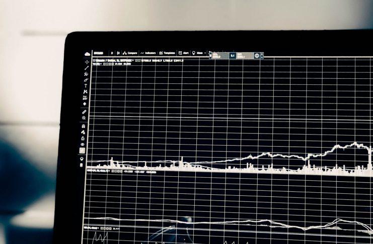 Hlavne rozdiely medzi obchodovanim na burze a investovanim