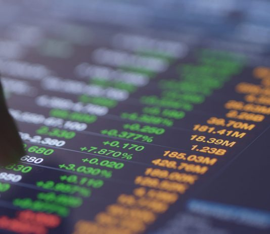 Zakladne rozdiely medzi investovanim do akcii a ETF fondov