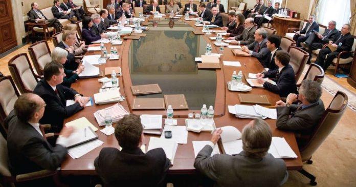 Holubicia zapisnica zo zasadania FOMC americkemu dolaru nepriniesol zisky.
