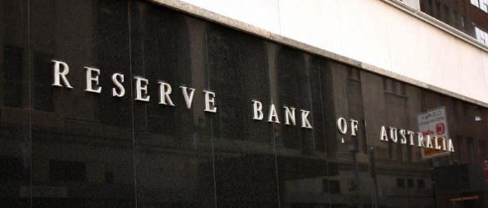 Zasadnutia CNB bez prekvapenia. Banka sa rozhodla pockat. AUD / USD sa po zasadnuti RBA prepadol pod 0,72