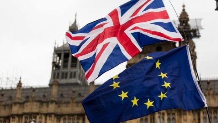 Nadej na hladky brexit a uzatvorenie obchodnej dohody medzi USA a Cinou viedli k risk on sentimentu