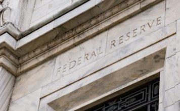 Fed zvysil ocakavany rast ekonomiky na rok 2021. Rusnok varuje pred stale velkymi rizikami Domov