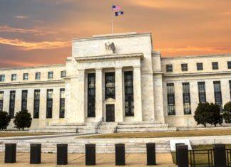 Fed sa nechysta zvysit sadzby zamerat sa miesto inflacia chce na nezamestnanost. Ekonomika USA v Q4 rastla o 41 Domov
